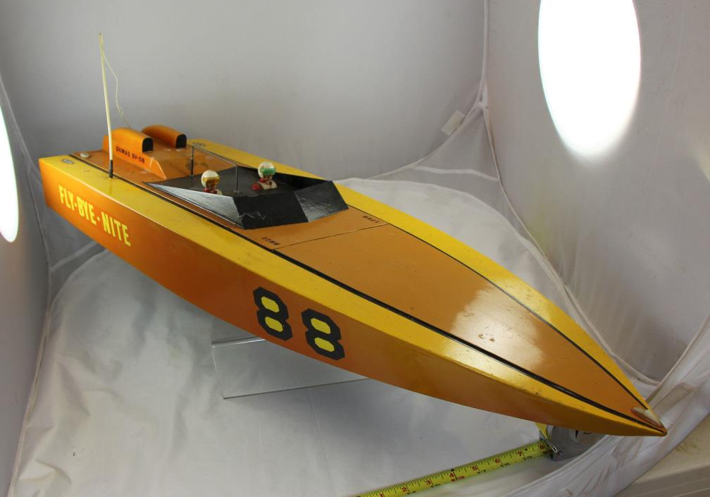 Dumas RC Boat - Fly By Nite -