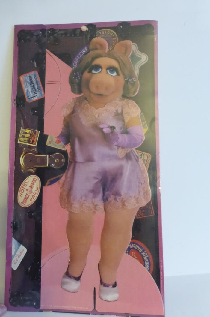 Miss Piggy Stand Up Paper Doll 6 Outfits 6 Wigs