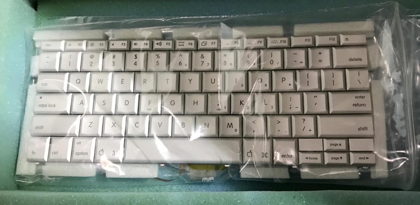 New Genuine Apple Keyboard, Aluminum PowerBook 15in 17in, 922-6968