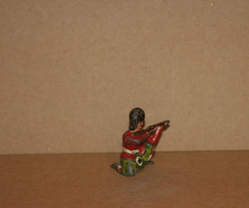 VINTAGE LEAD TOY SCOTTISH SOLDIER  KNEELING  - 100% ORIGINAL FIGURE - Q 804