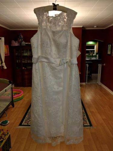 Vilavi wedding dress size 18