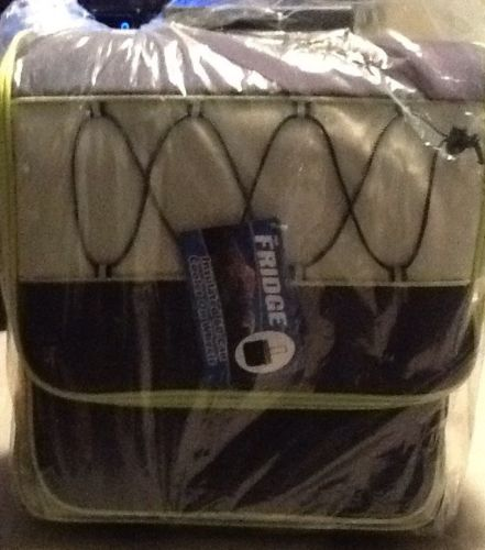 Insulated Soda Cooler Leak Resistant w/ Carry & Retractable Handles Blue / Green