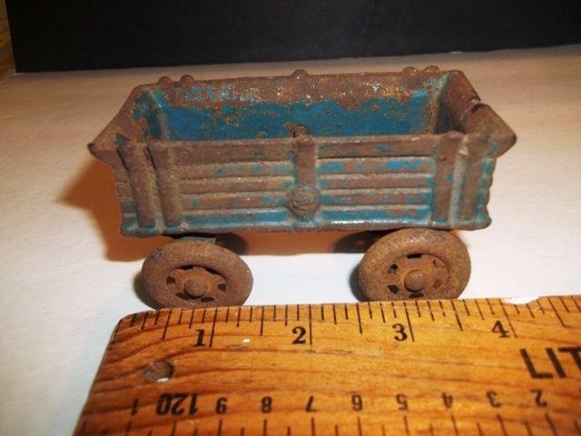 Cast Iron Antique Vintage  Farm Wagon Tractor Die Truck