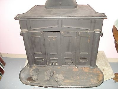 ANTIQUE FRANKLIN STOVE, Wood Stove