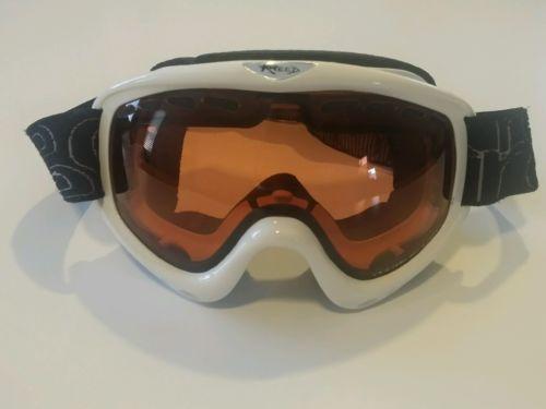 Ski/snowboard women goggle