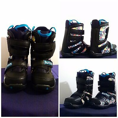 BURTON GROM Snowboarding boots, Sz 2 warm children boots. Excellent condition