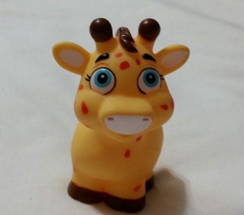 Garanimals Bath Toy Giraffe, Yellow with Orange Spots, Toy Figure Giraffe
