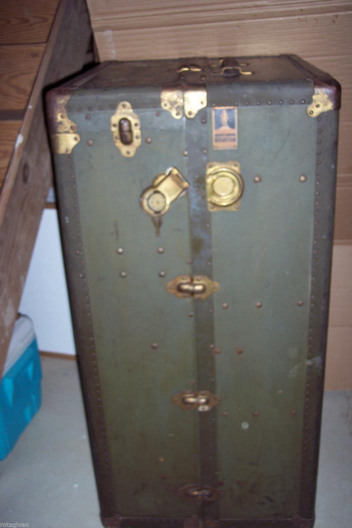 Oshkosh steamer travel trunk vintage Green, 1900-1950  Chests & Trunks