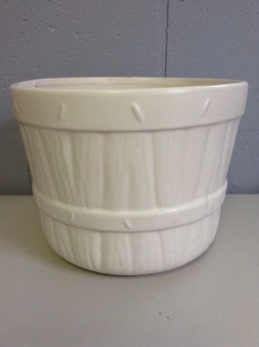 Vintage McCoy USA Flower Pot #3024 Basket Style - White - 7