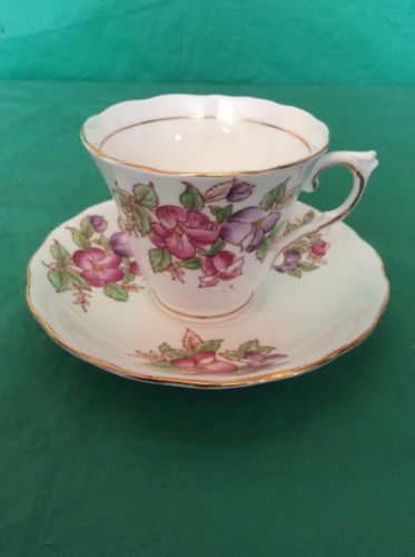 COLCLOUGH BONE CHINA CUP & SAUCER # 6631 RED PURPLE FLOWERS GOLD TRIM
