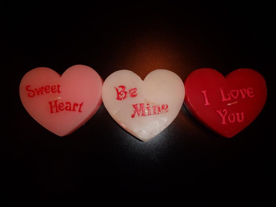 VALENTINE'S DAY SET OF 3 LARGE CONVERSATION HEART SHAPED FLOATING CANDLES CUTE