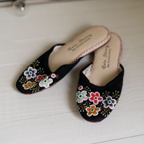 Vintage 60s Chinese Export Beaded Floral Slippers Small NOS Dead Stock VTG