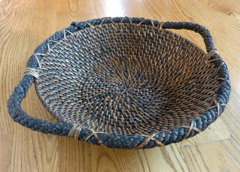 WICKER RATTAN WEAVED BASKET FRUIT BASKET TRAY SHALLOW CENTERPIECE BASKET EUC