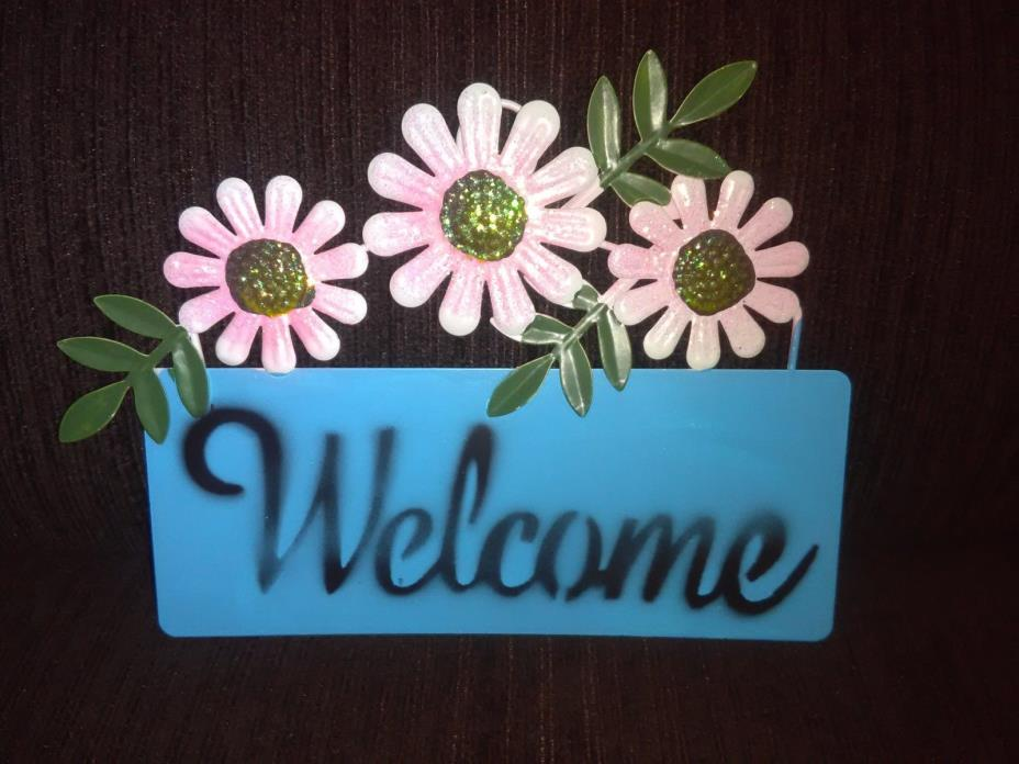 Light Blue Welcome Plaque Garden Hanging Decoration With Pink Flowers