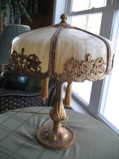 ANTIQUE CARAMEL SLAG GLASS BENT PANEL TABLE LAMP 16