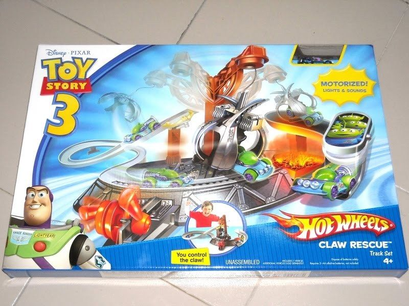 Hot Wheels Toy Story 3 Claw Rescue Track Set