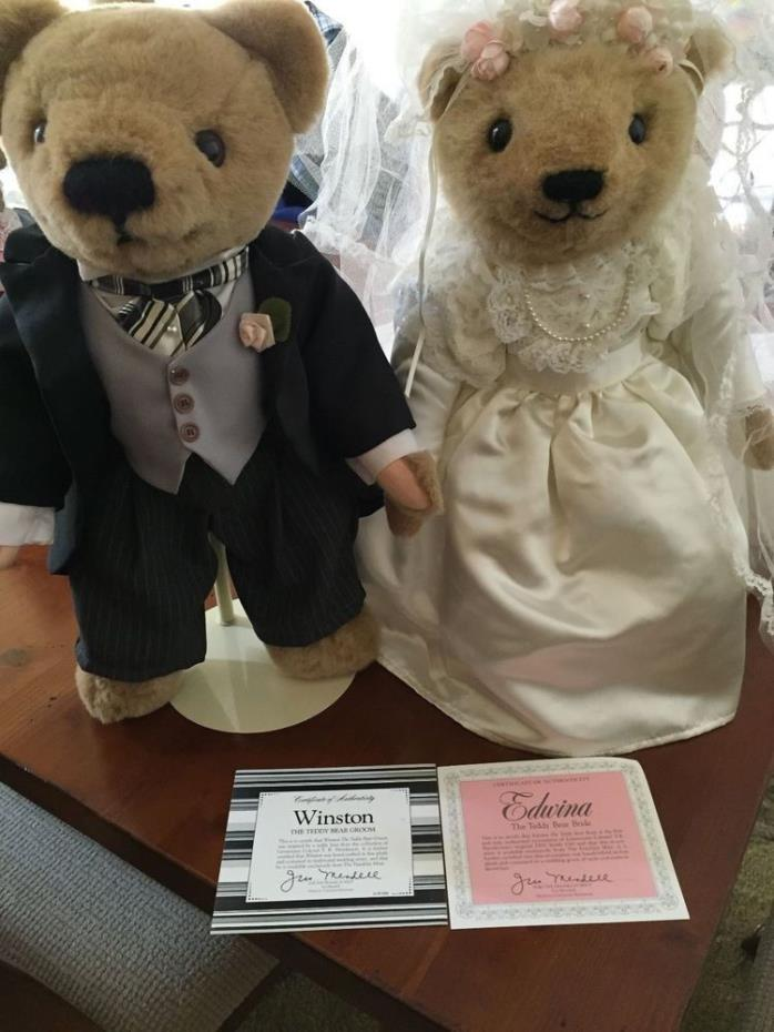 Franklin Mint - Winston and Edwina Wedding Bears - *** MINT CONDITION IN BOX ***