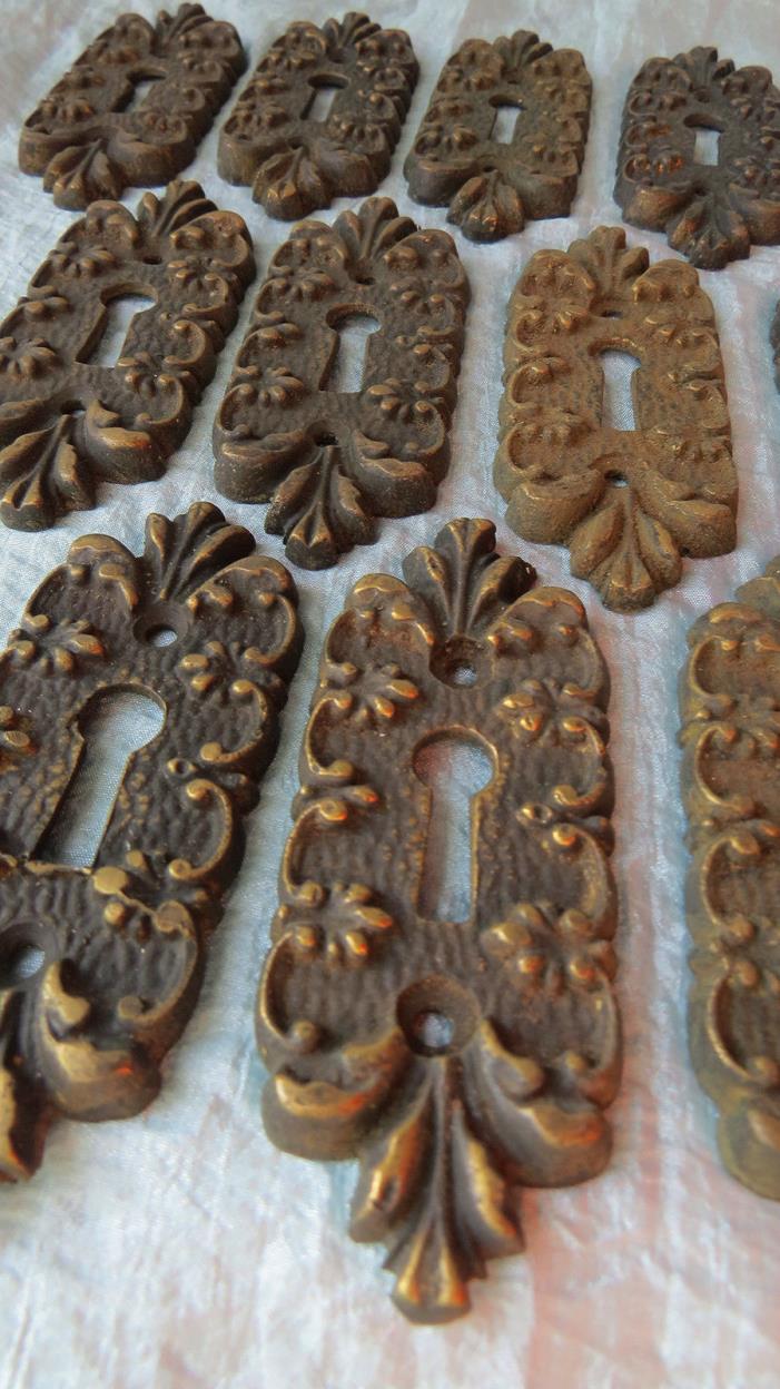 Old Vintage Antique ORNATE Floral Scallop CAST BRONZE Door Key Hole Escutcheon