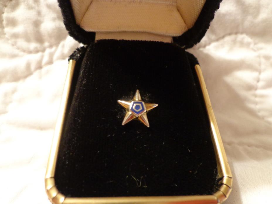 Freemason Masonic Mason Lapel Pin Star with Dual Pentagram Center Vintage