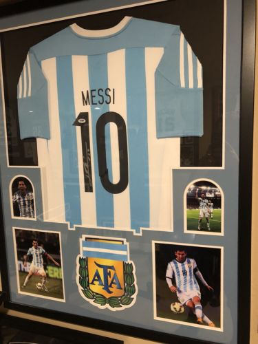 Lionel Messi Signed Framed Jersey PSA 6A70699