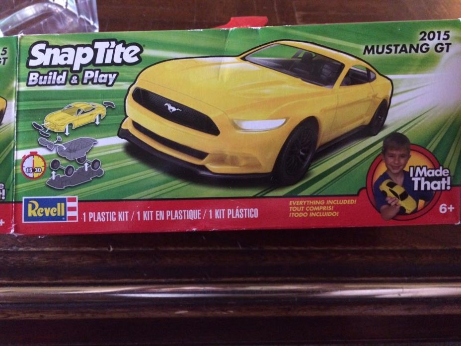 Revell - 851689 1/25 2015 Mustang GT Yellow - Plastic Model 031445016899 SEALED