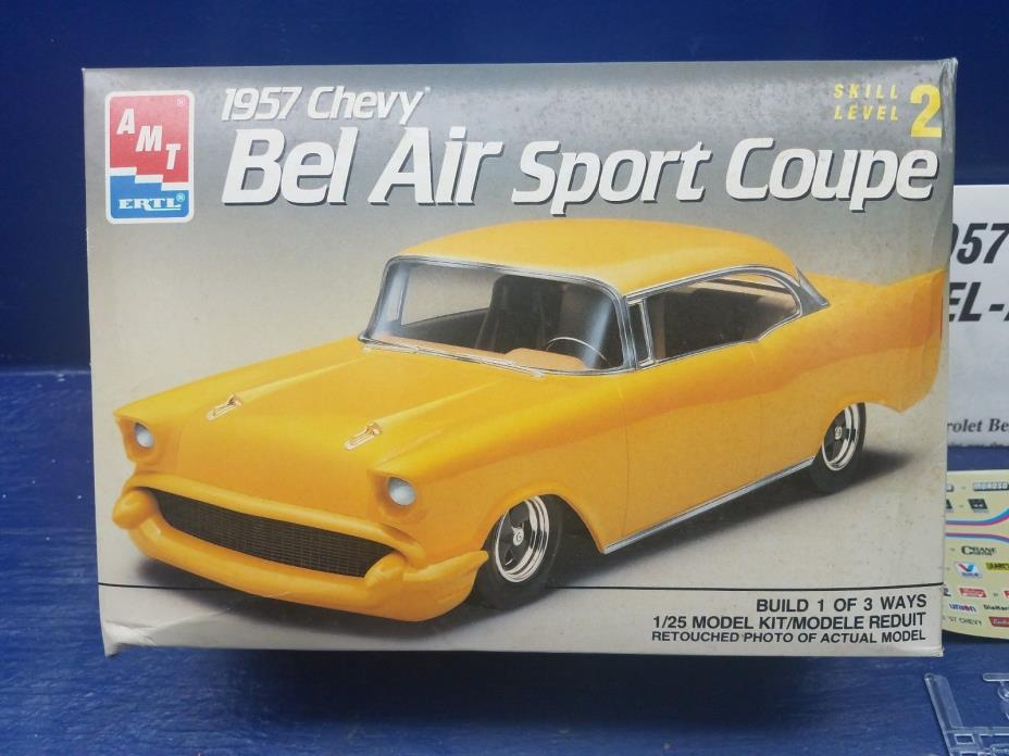 AMT Chevy 1957 Belair SPORT Coupe MODEL 1/25