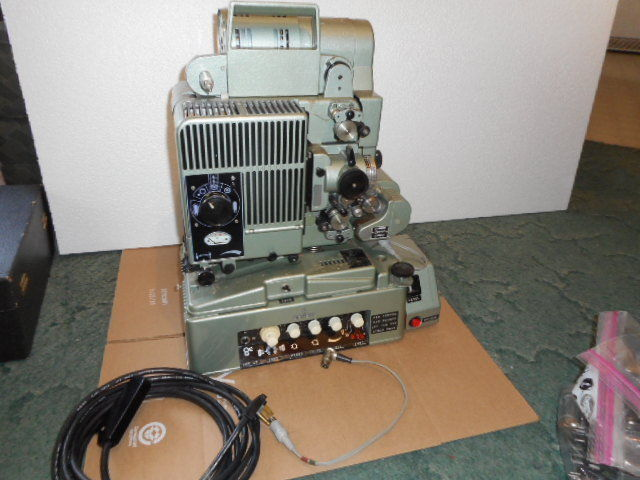 VINTAGE SIEMENS FILM PROJECTOR WITH AMPLIFIER MADE IN GERMANY