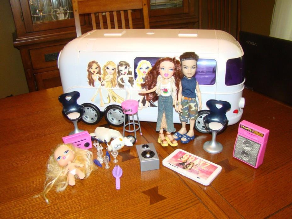 Bratz doll Movie Bus Camper truck motor home house dolls baby scooter lot extra