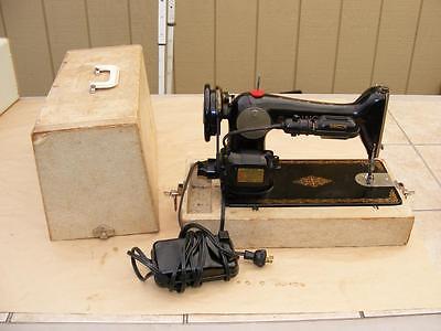 Singer K99 Sewing Machine