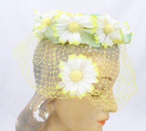 VTG Birdcage Hat Veiled Veil Yellow Daisies Womens One Size Garden Party Flowers