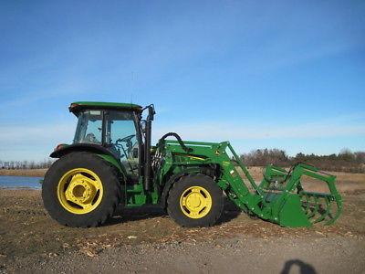 2015 John Deere 5115M Tractor Loaders
