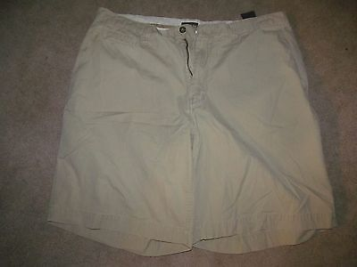 Men's St. John's Bay  Beige Flat Front Shorts Size 38 Great Condition