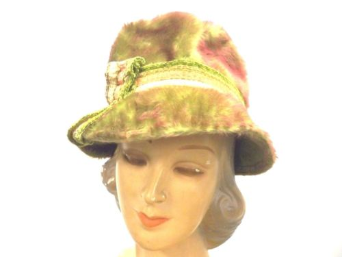Vintage Womens Hat Red Green Austrian Fur Felt Bucket Hat 1950'S Small