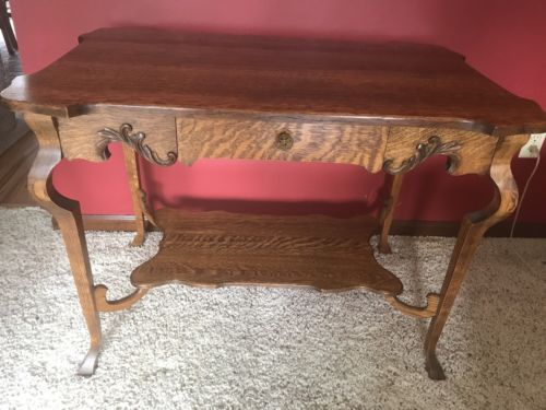 Antique Quarter Sawn Oak Lamp Parlor or Small Table Beautiful!