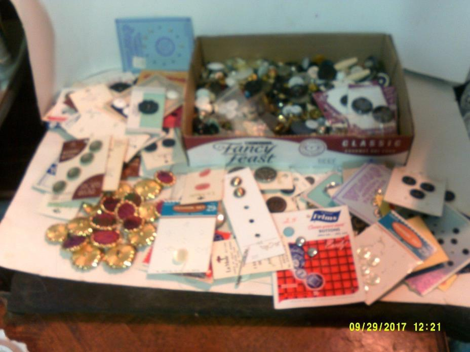 HUGE JUNK DRAWER LOT OF VINTAGE BUTTONS