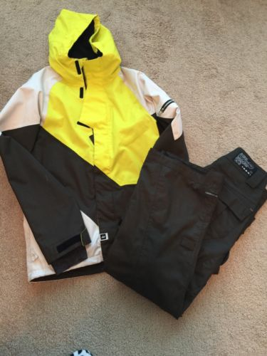RIDE SNOWBOARD Men's Ski/ Snowboard Jacket and Pants.  Size S/P.
