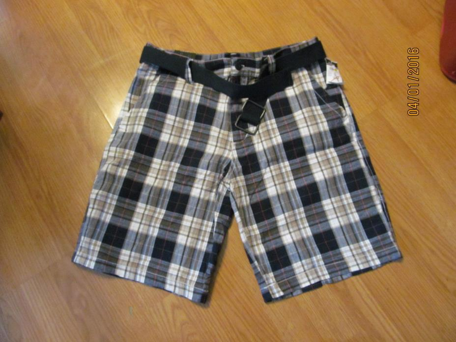 Men's Carbon Plaid Shorts with Belt Size 32 New with Tags