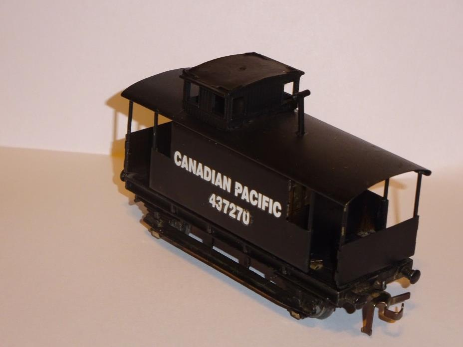 HORNBY DUBLO caboose --refurbished--- please read