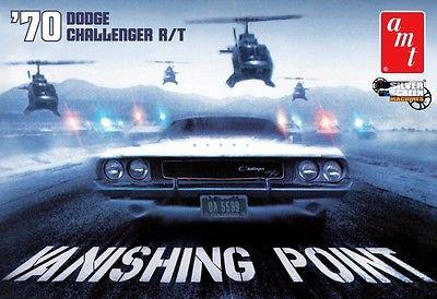 AMT 1970 Dodge Challenger R/T Vanishing Point model kit 1/25