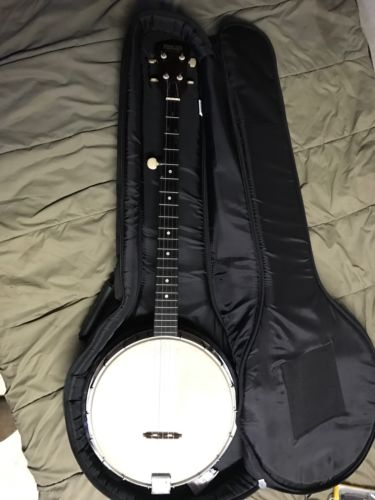 Peerless 5 String Closed Back Banjo With Soft Case