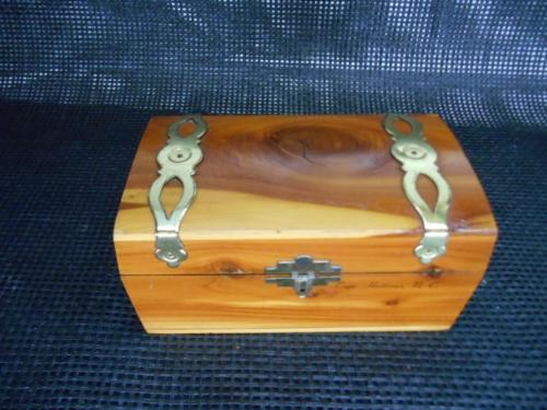 Old Vtg I.B. Deere Wood Cedar Blackbeards TREASURE CHEST Cape Hatteras N.C.