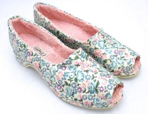 Vintage Women's OOmphies Slippers NWOB Pink Blue Floral Sz 8N Shoes