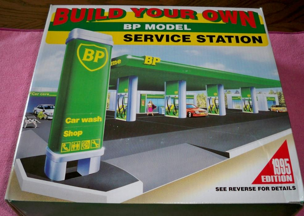 Build Your Own Toy BP Model Gas Service Station Kit Sealed