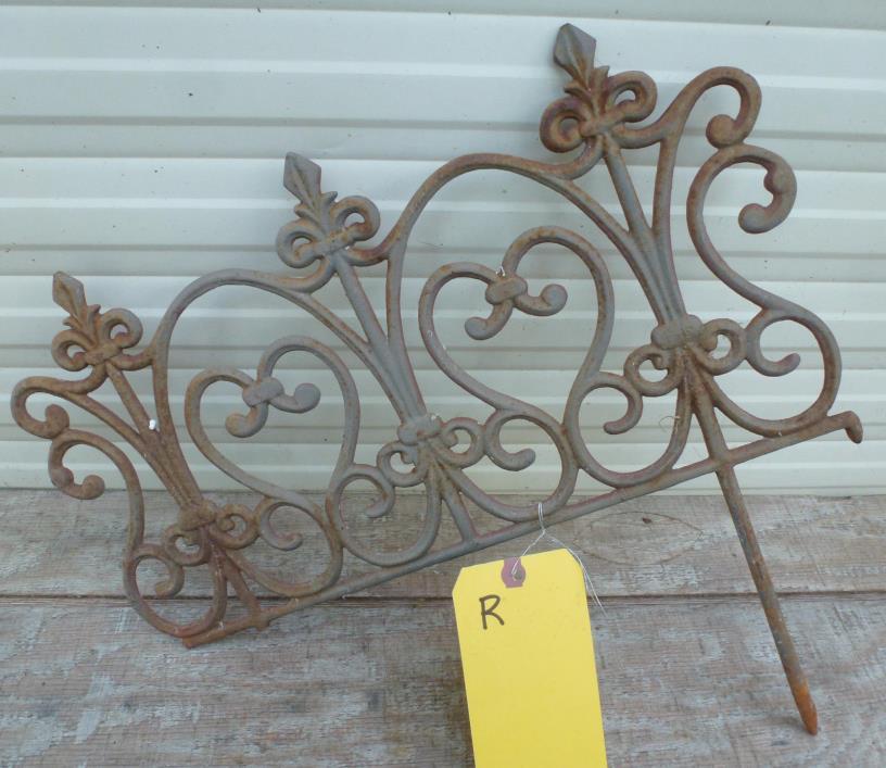 Vintage Iron Yard Garden Fence Border edging cast wrought finial fleur de lis