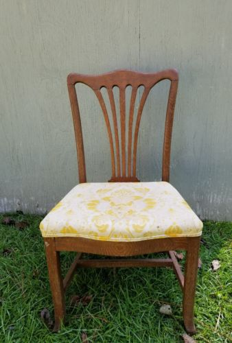 set of 4 wood chippendale chairs