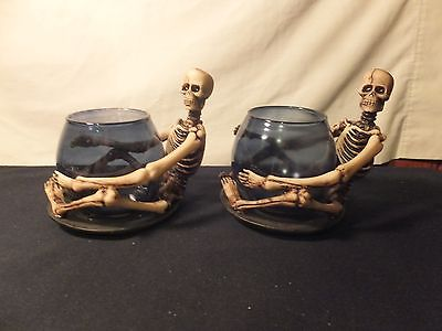 Skeleton Tea Light Holder (837)