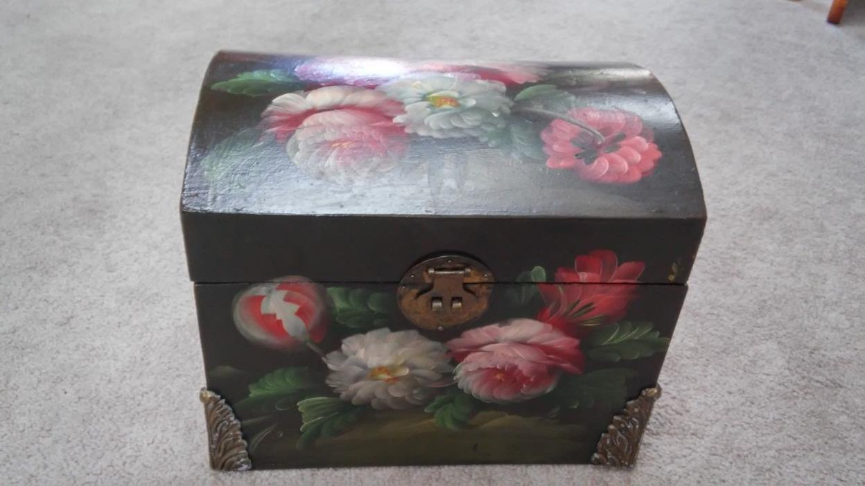 Hand Painted Lovely Floral Scene  Wooden Trunk Storage Box Chest Home Decor