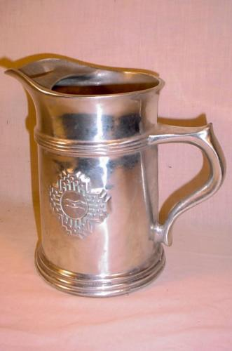 VINTAGE COLONIAL FEDERAL STYLE HEAVY CAST ALUMINUM PITCHER