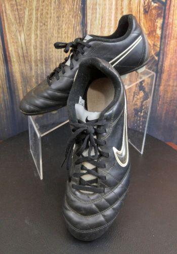 Nike Youth Size 6Y Black Ball Cleats (tu15)