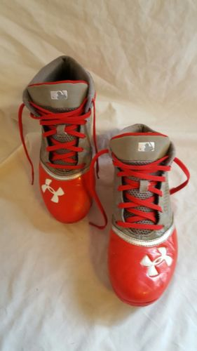 UNDER ARMOUR BASEBALL CLEATS RED, WHITE, GREY DIGI CAM SIZE 6 ARMOURBOUND SHOES